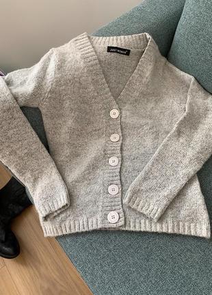 Укороченый кардиган на пуговицах/ свитер на пуговицах