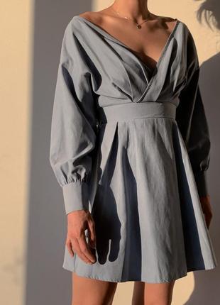 Платье-мини с открытыми плечами и длинным рукавом