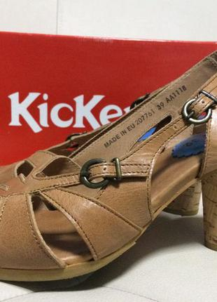 Кожаные босоножки kickers