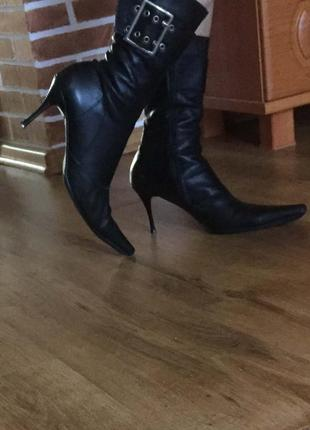 Демисезонные женские кожаные сапожки, размер 40, стелька 26 см