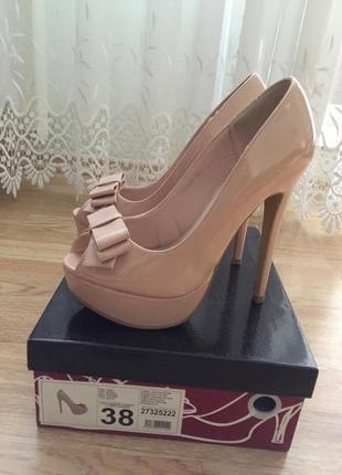 Туфли на высоком каблуке 38 размер