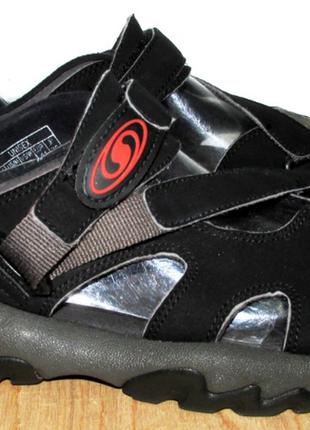 Фирменные сандалии саломон