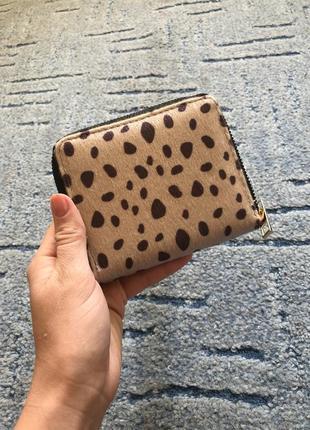Жіночий маленький та вмісткий гаманець