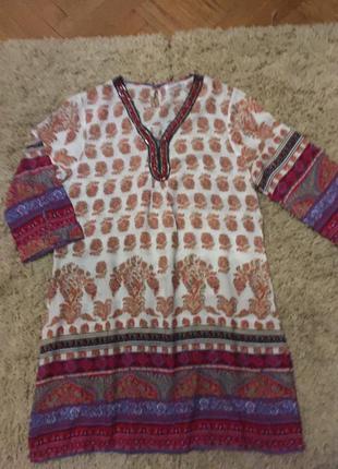 Яркое платье в восточном стиле