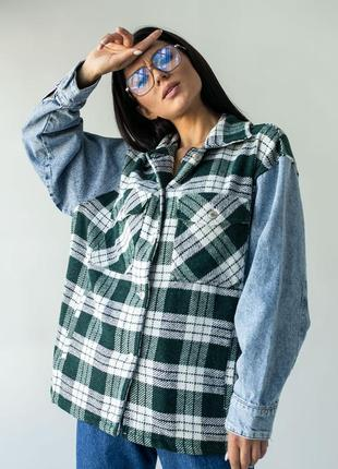 Стильная рубашка с джинсовыми рукавами
