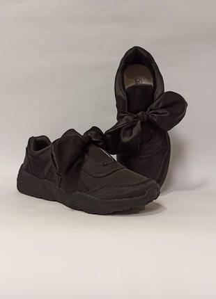 Черные кроссовки с бантом код 337