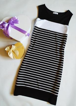 Платье трикотаж средней плотности