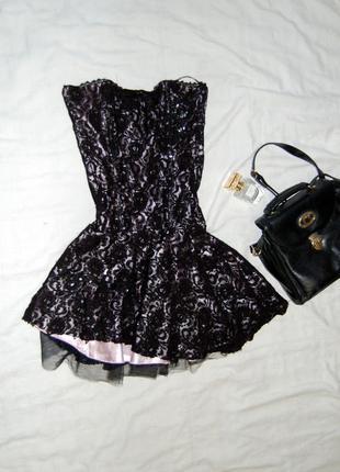 Вечернее платье бюстье корсетного типа