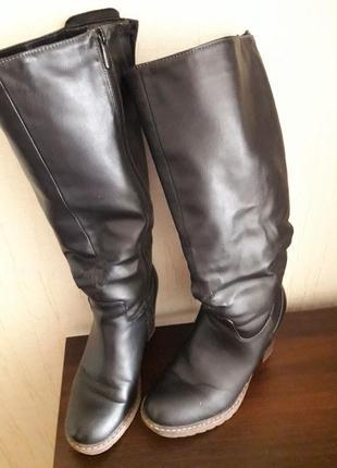 Продам зимние кожаные сапоги