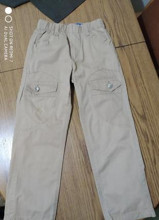 Класні бежеві джинси для хлопчика