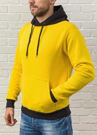Желтая худи на флисе с черным капюшоном и манжетами