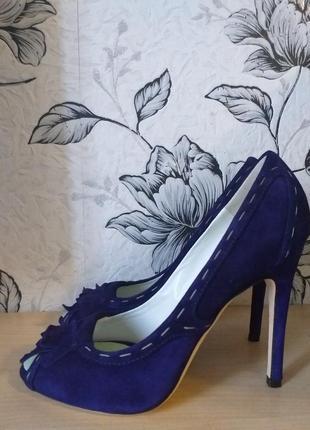 Dsquared2  шикарные замшевые туфли