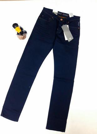 Фирменные модные  джинсы  франция размер 30