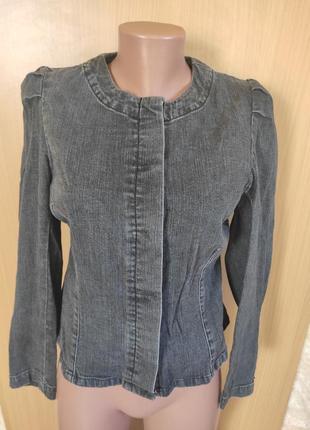 Серая черная джинсовая куртка на пуговках пиджак жакет