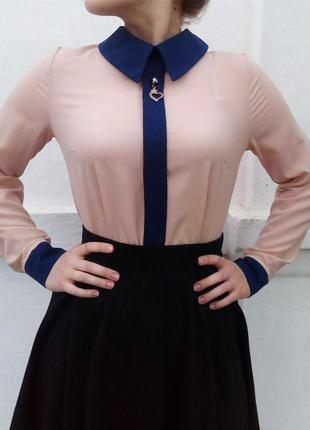 Блуза с длинным рукавом и воротником