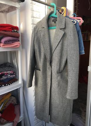 Серое пальто оверсайз)