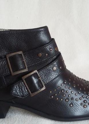 Новые фирменные кожаные ботинки zara p. 41 стелька 27 см