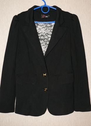 Стильный жакет, трикотажный пиджак  с кружевной подкладкой