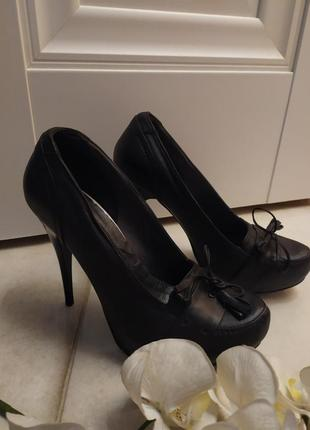Кожаные черные туфли натуральная кожа