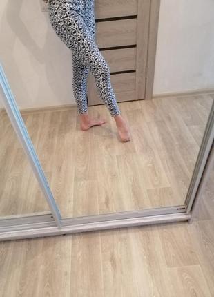 Джинсы. джинсы с принтом. джинсы  zara