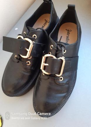 Туфлі страбіваріус