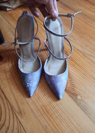 Фірмові туфлі/босоніжки лодочки 36 р-23 см.