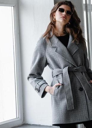 Шерстяное пальто укорочённое с поясом зима демисезон