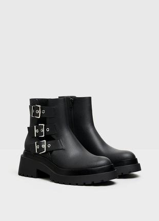Новые ботинки bershka