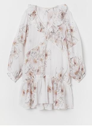 Платье с оборками h&m conscious в цвети плаття біле в квітковий принт з рюшами