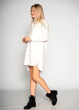 """Удлиненная женская белая блуза """"design""""3 фото"""