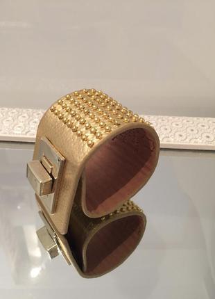 Красивый, стильный браслет из коллекции итальянских браслетов