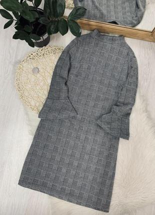 Красивое платье в клеточку1 фото