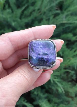 Кольцо с чароитом в серебре размер 17,51 фото