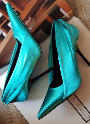 Стильные туфли лодочки с атласной драпировкой роскошного цвета в стиле zara!2 фото