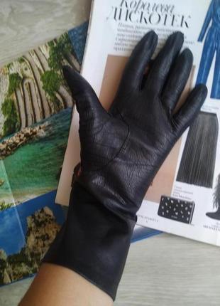 Черные кожаные перчатки2 фото