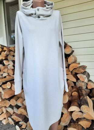 Классное теплое платье с капюшеном1 фото
