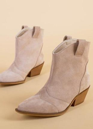 Женские ботинки казаки1 фото