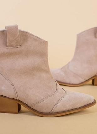 Женские ботинки казаки3 фото
