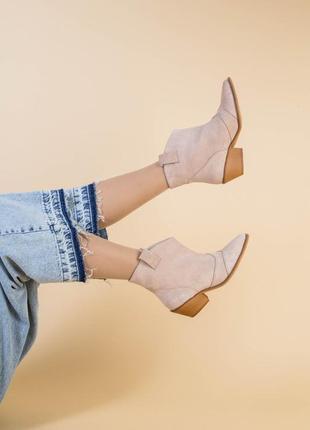 Женские ботинки казаки7 фото