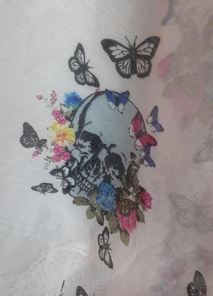 Платок батистовый из натурального хлопка с черепами и бабочками палантин7 фото