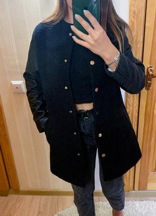 Пальто с кожаными рукавами3 фото