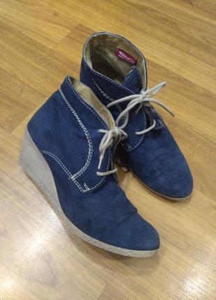 Tamaris синие демисезонные замшевые ботинки на танкетке 41 размер1 фото