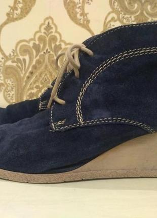 Tamaris синие демисезонные замшевые ботинки на танкетке 41 размер3 фото