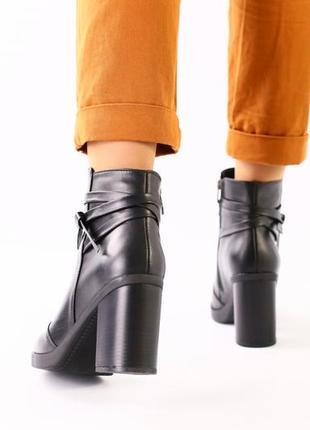 Ботинки женские.2 фото