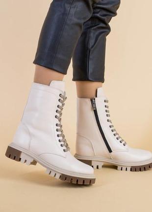 Женские ботинки10 фото