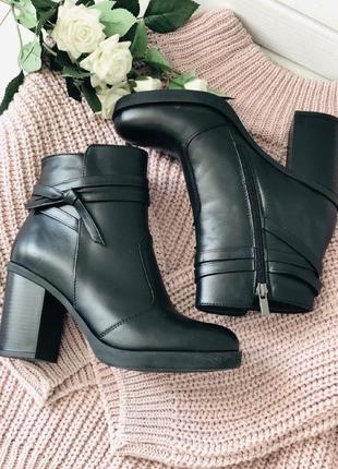 Ботинки женские.4 фото