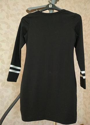 Платье черное трикотаж приталенное4 фото