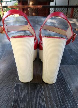 Боссоножки на толстом каблуке3 фото