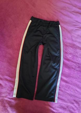 Сортивные штаны с лампасами