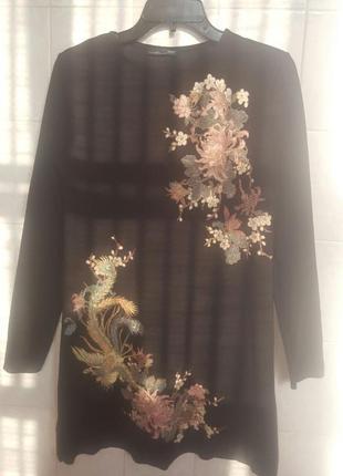 Платье с вышивкой.1 фото